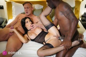 Clea Gaultier -She Likes It Rough